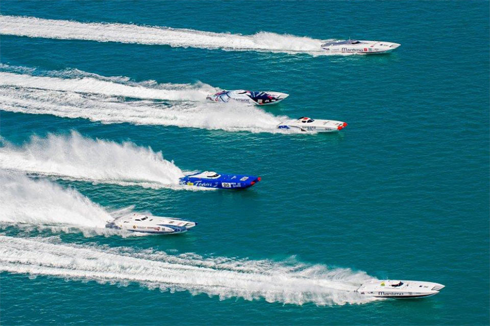 bowen-superboat-festival-race